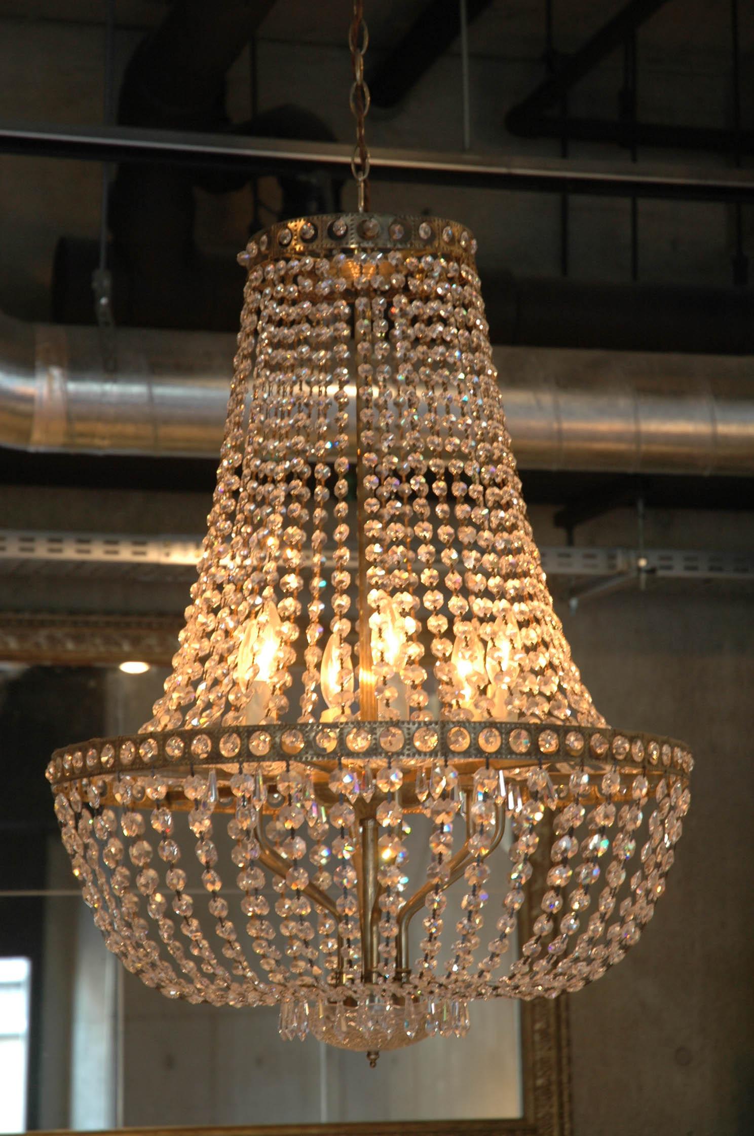 chandelier01.jpg